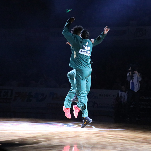 B.LEAGUE NISHINOMIYA STORKS #2 DRAELON BURNS photo by izy Rodriguez (Team Zion)