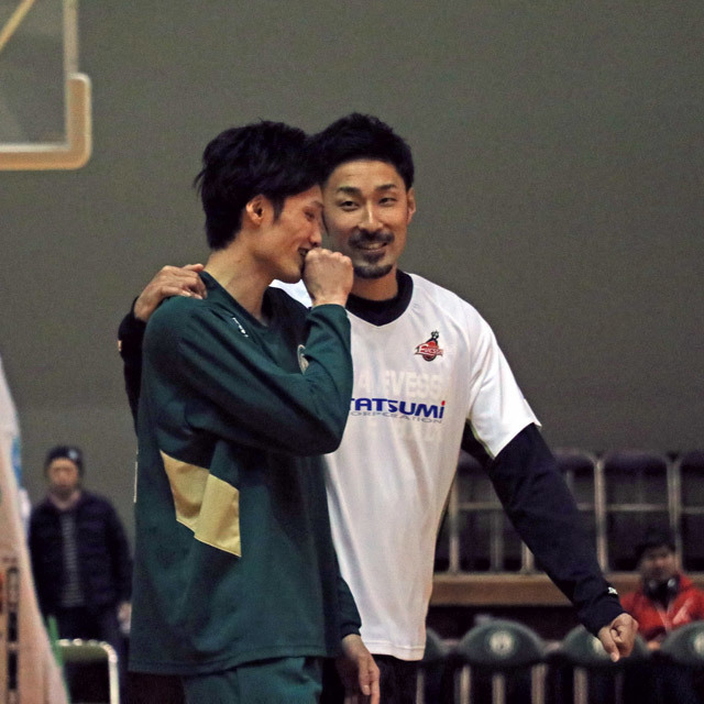 B.LEAGUE NISINOMIYA STORKS #9 NAOKI TANI OSAKA EVESSA #15 SHINNOSUKE NEGORO photo by izy Rodriguez (Team Zion)