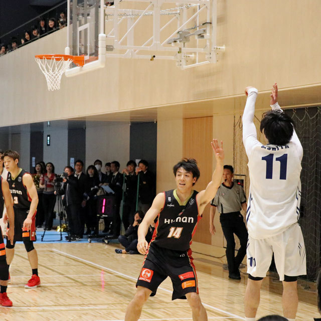 KANSAI UNIVERSITY BASKETBALL CULB photo by izy Rodriguez (Team Zion)
